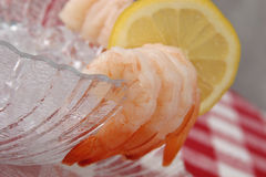 ый шримс сервировки лимона Стоковые Изображения