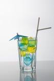 льдед заполненный кубиками стеклянный Стоковое Изображение RF