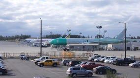 ЭВЕРЕТТ, ШТАТ ВАШИНГТОН, США - 10-ОЕ ОКТЯБРЯ 2014: Продукция 787 Dreamliners, 777, 747 и других самолетов огромно стоковые фото