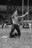 ЭДИРНЕ, ТУРЦИЯ - 26-ОЕ ИЮЛЯ 2010: Pehlivan борцов турецкое на конкуренции в традиционном Kirkpinar wrestling Стоковые Фотографии RF