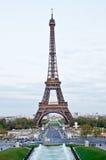 Эйфелева башня в вечере 2 Стоковые Фото