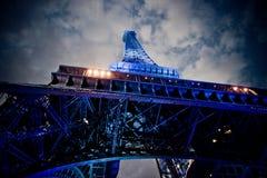 Эйфелева башня на ноче Стоковое Изображение
