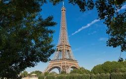 Эйфелева башня самое популярное место перемещения и глобальный культурный значок Франции и мира Стоковое Фото