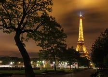 Эйфелеваа башня на ноче Стоковое Изображение RF