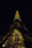 Эйфелеваа башня на ноче Стоковые Изображения RF