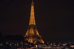 Эйфелева башня в вечере Стоковая Фотография