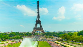 Эйфелева башня в Париже, промежуток времени акции видеоматериалы