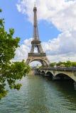 Эйфелева башня и Река Сена - Париж Стоковые Изображения RF