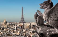 Эйфелева башня и химеры Стоковые Изображения