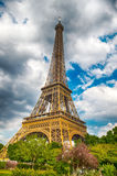Эйфелева башня на заходе солнца в Париже, Франции HDR Романтичная предпосылка перемещения Стоковые Изображения