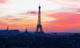 Эйфелева башня на заходе солнца, Париж, Франция Стоковое Изображение RF