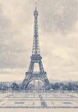 Эйфелева башня Парижа первый снежок Стоковое Фото