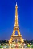 Эйфелева башня посещать памятник Франции Стоковые Фотографии RF