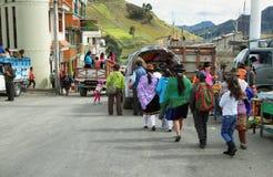 Эквадорские этнические люди с индигенными одеждами Стоковое фото RF