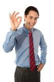 экзекьютив gesturing большой мыжской одобренный знак стоковые изображения rf