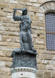 Экземпляр Юдифь обезглавливая Holofernes на della Signoria аркады Стоковые Изображения RF