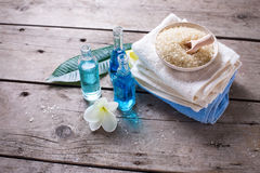 экзотическая спа продуктов массажа цветка облицовывает полотенце Стоковое Изображение RF