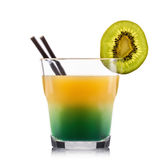 Экзотический зеленый коктеиль в старомодном стекле изолированном на белой предпосылке Стоковые Изображения