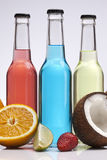 Экзотический коктеил спирта бутылки Стоковое фото RF