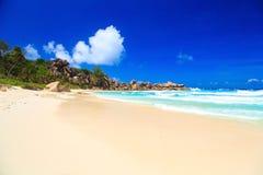 Экзотический красивый пляж Стоковые Изображения