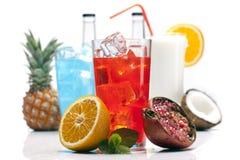 Экзотическое красное питье установленное с плодоовощами Стоковое Изображение
