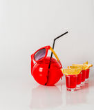 Экзотическое питье в шарообразном стекле, 4 питья в shotglass, Стоковые Фотографии RF