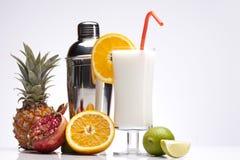 Экзотическое питье Pina Colada с трасучкой Стоковые Фотографии RF