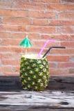 Экзотическое colada pina коктеиля в ананасе Стоковое Фото