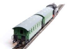 экипажи уходя вытягивающ поезд 2 игрушки пара Стоковое фото RF