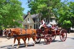 Экипаж нарисованный лошадью путешествует в Williams, Viginia, США стоковые фотографии rf