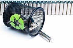 Экологичность рециркулируя батарею концепции, энергии природы, используемой или новой дальше Стоковые Изображения RF