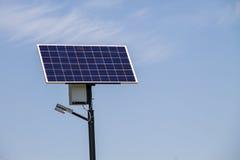 Экологическая электрическая энергия от панели солнечных батарей Стоковое Изображение RF