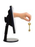 экран ключа руки компьютера стоковые изображения