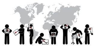 Экран монитора владением человека ручки: покажите скелет, карту мира (всемирную концепцию) (легочный туберкулез здравоохранения,  Стоковое Изображение RF