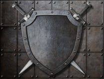 Экран рыцаря и 2 шпаги над броневыми листами иллюстрация штока