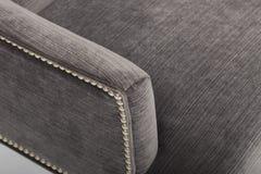 Экран темного цвета и в форме сердц задние части стула - обеденный стол постамента круга черноты ImageRemarkable - изображение стоковые фото