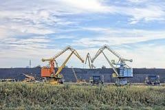 2 экскаватора угля Стоковая Фотография