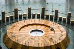 Эксперимент по науки маятника Foucault стоковое изображение rf