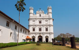 Экстерьер белой исторической церков здания Св.а Франциск Св. Франциск Assisi был построен в 1661 Место всемирного наследия Unesco Стоковое Фото