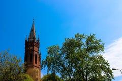 Экстерьер готической католической церкви стоковые фото