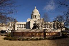 Экстерьер здания капитолия положения Арканзаса в меньшем утесе стоковая фотография rf