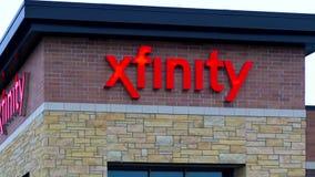 Экстерьер и знак магазина розничной торговли Xfinity акции видеоматериалы