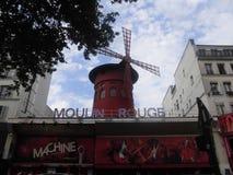 Экстерьер красного ` румян moulin ` кабара мельницы стоковое фото