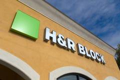 Экстерьер розницы H&R Block Стоковая Фотография