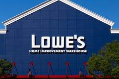 Экстерьер склада улучшения дома Lowe's Стоковые Изображения