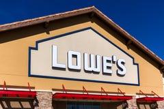 Экстерьер склада улучшения дома Lowe's Стоковое Изображение