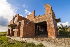 Экстерьер старого здания под конструкцией Оранжевый кирпич wal Стоковое фото RF