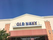 Экстерьер старых одежды военно-морского флота и компании розничной торговли аксессуаров Стоковые Фотографии RF