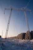 электрическая высокая линия напряжение тока опоры силы Стоковая Фотография RF