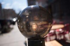 Электрическая лампочка фотографии улицы декоративная стоковое изображение